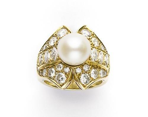 20: Anello in oro giallo con perla naturale