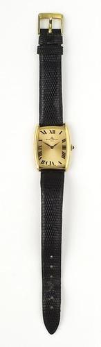 2: Orologio di forma Baume & Mercier