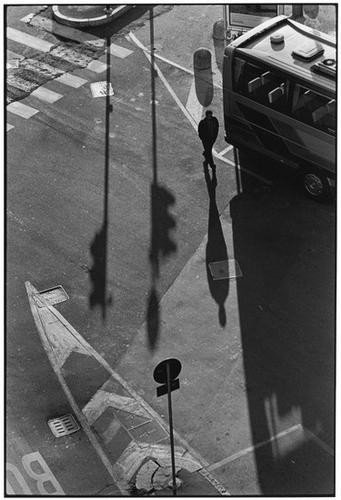 303: Elliott Erwitt (b. 1928) Milan, Italy, 2000
