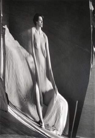 345: Andrè Kertèsz (1894-1985) Distortion, 1933