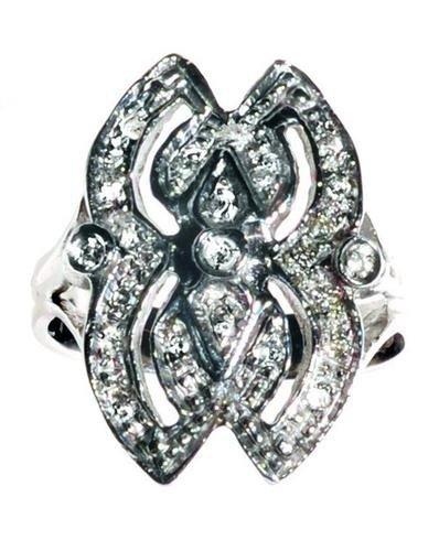 1: Parure composta da bracciale, anello e orecchini i