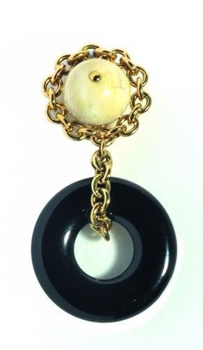 11: Orecchini in oro giallo 18 kt con boules in avorio