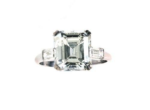 136: Anello in oro bianco 18 kt con diamante taglio sme