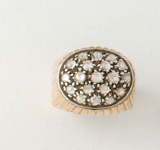 15: Anello in oro con diamanti taglio rosa