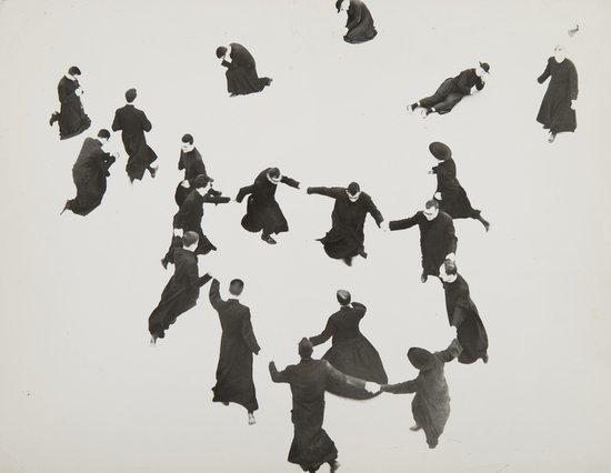 24: Mario Giacomelli (1925-2000) Pretini. Ricreazione