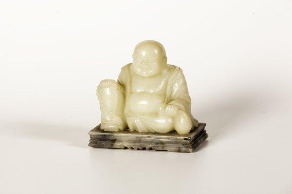 Scultura in giada raffigurante monaco Putai, Cina fine