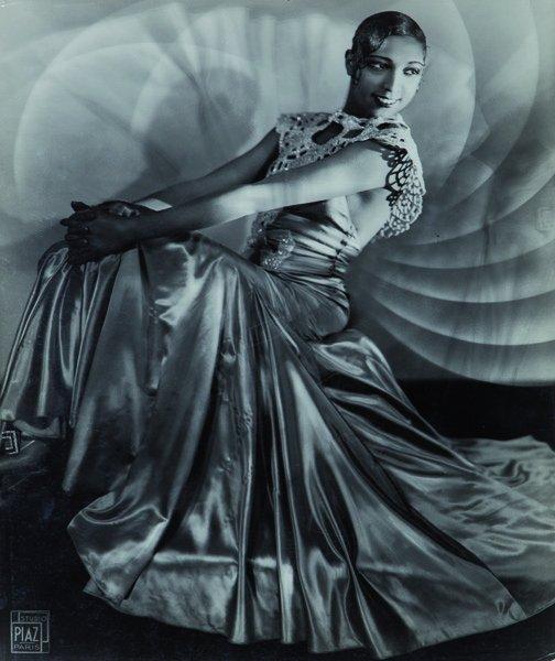 Studio Piaz Joséphine Baker in stage dress, ca. 1920