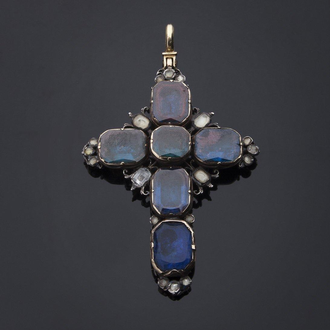 Croce con reliquiario del '600 in oro e argento