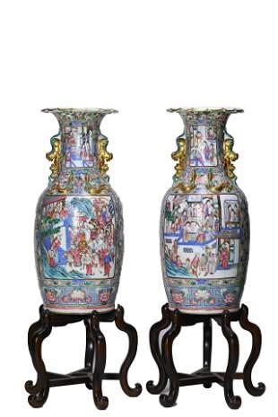 A Pair of Figure Pattern Vase
