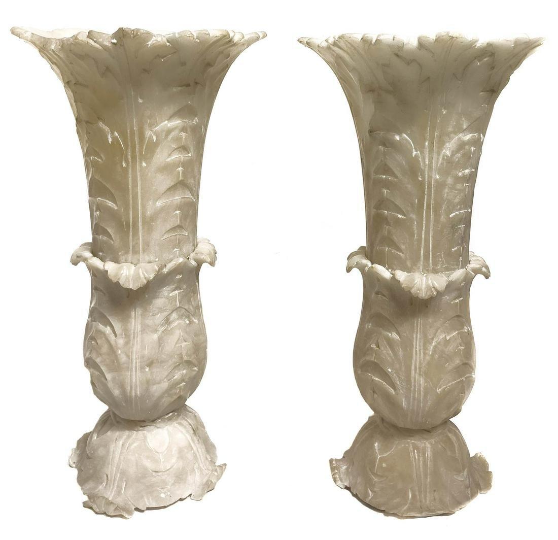 Pair of white Volterra alabaster vases. Late 18th