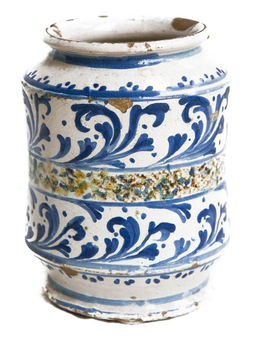 Caltagirone majolica, 18th century. Cylindrical. H cm