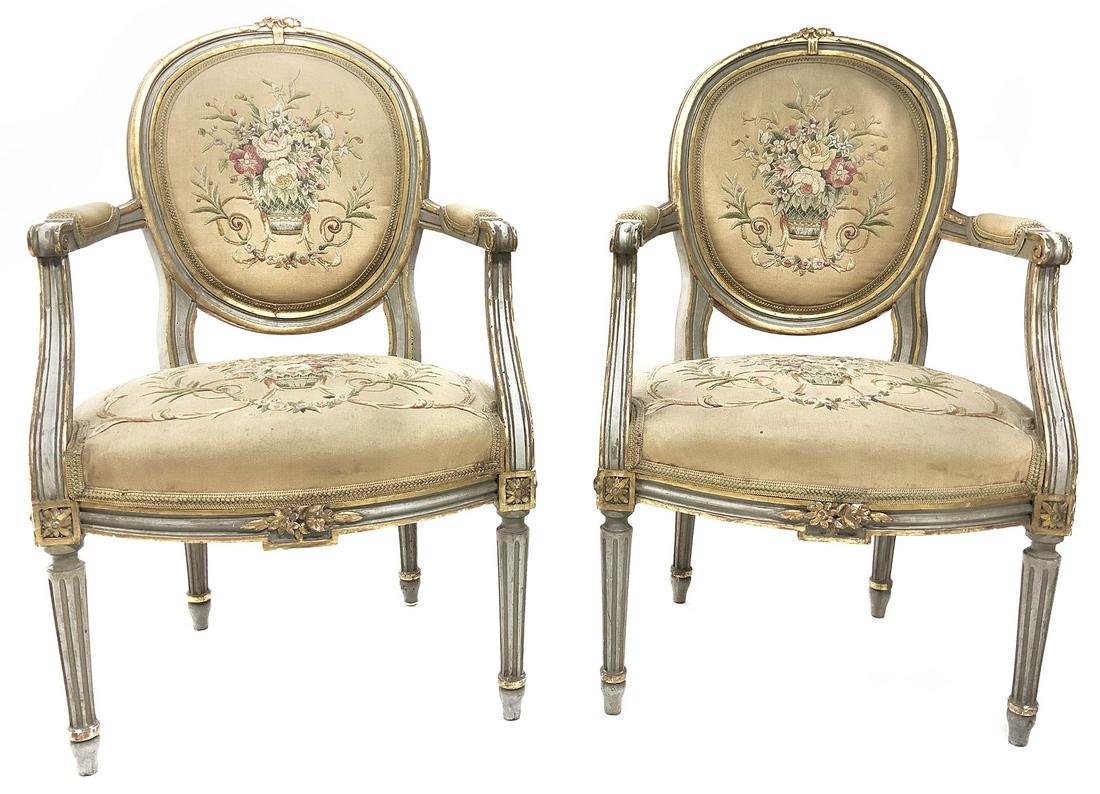 Pair of golden lacquared small armchairs. Ealry 20th