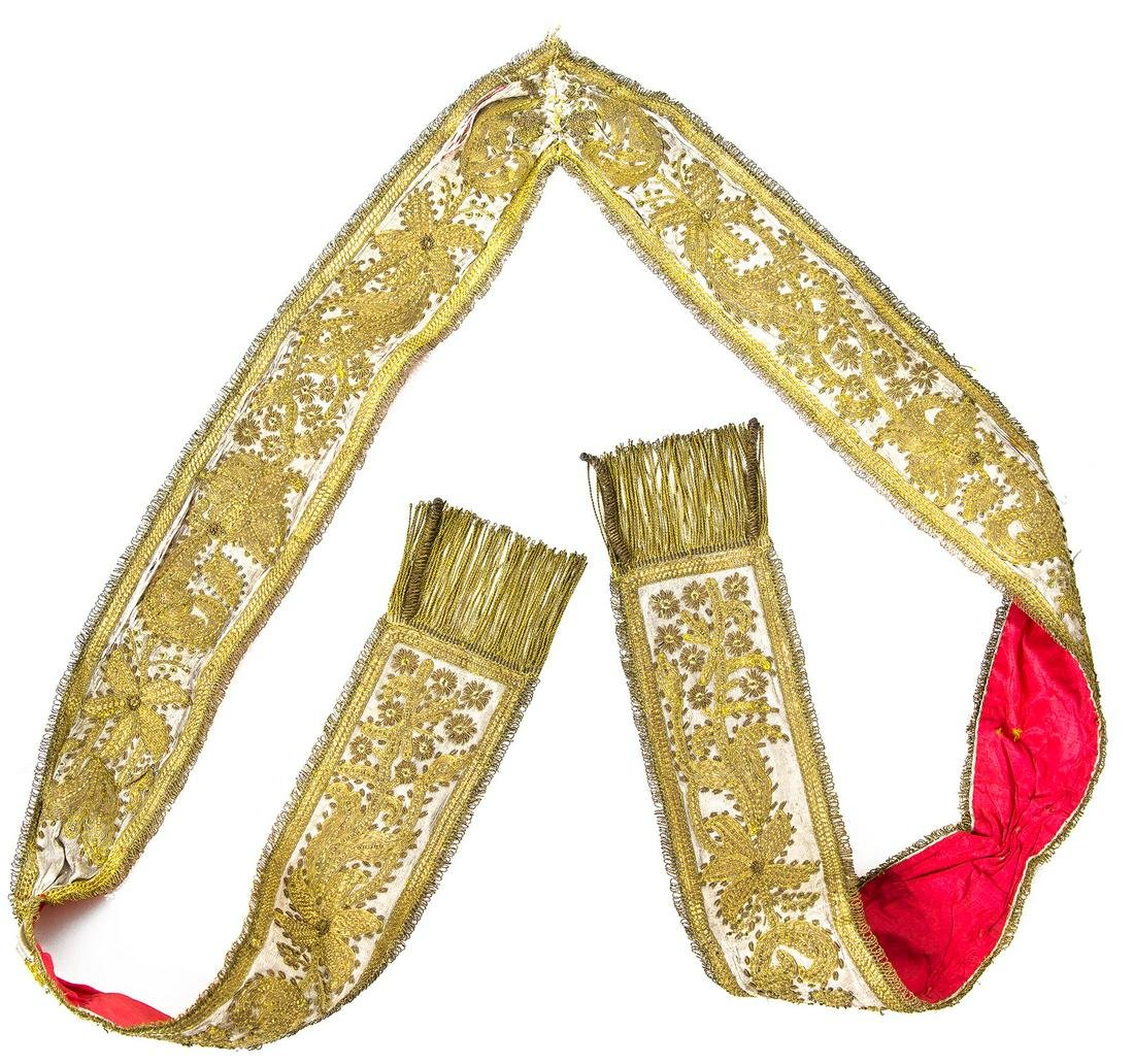 Embroidered stole with gold thread and satin, 18th