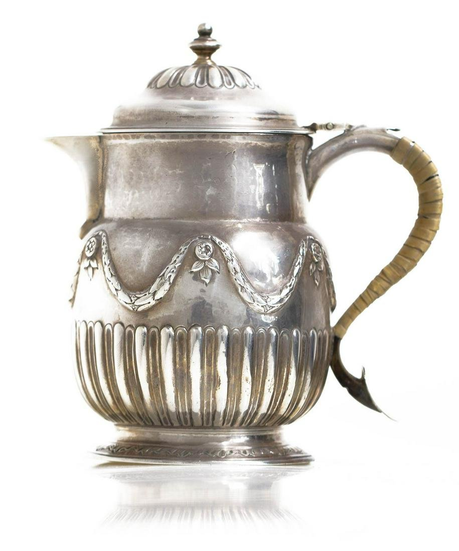 Ancient mug  in English silver, from 1753. Kg 0,476. H