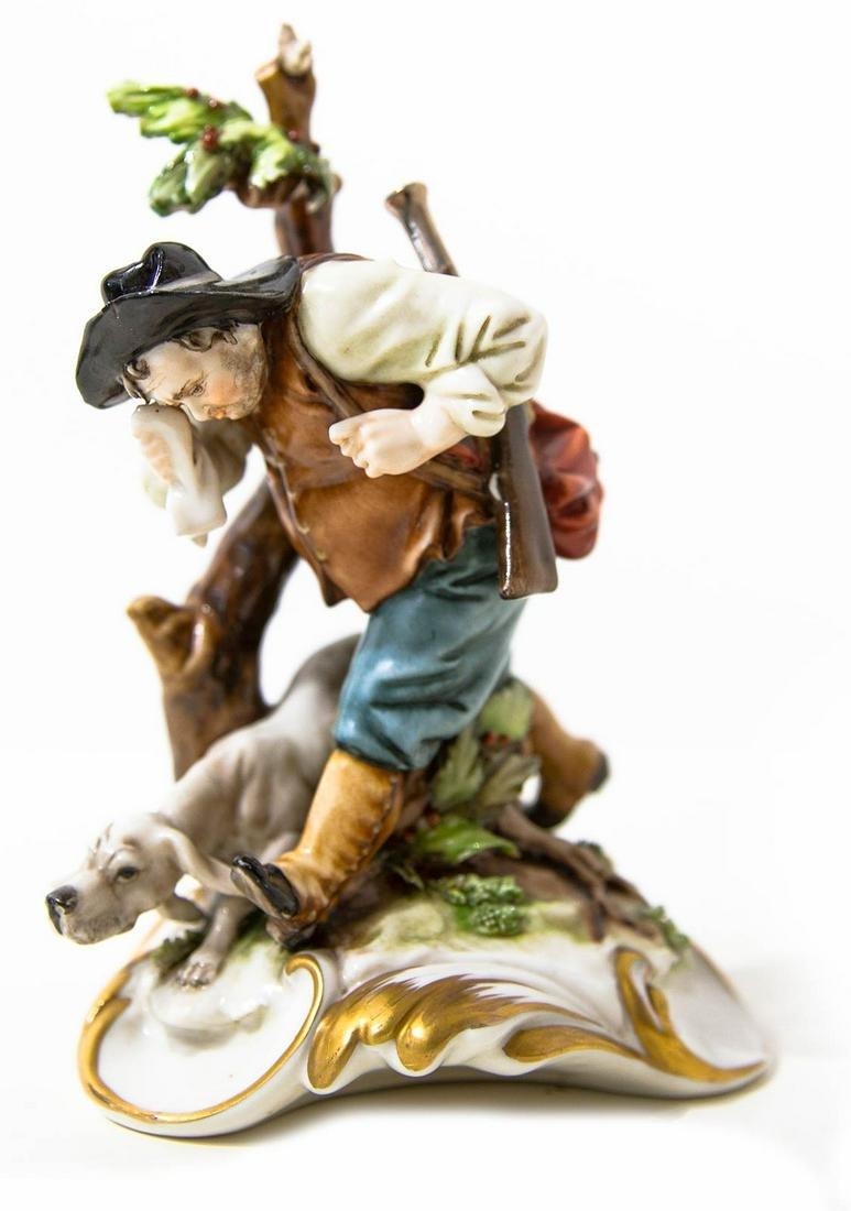 Capodimonte porcelain statuette. 20th century. Dog with