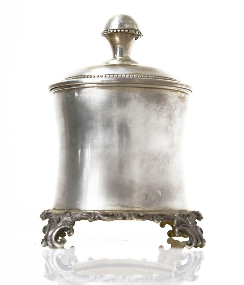 Silver 800 cookies holder with decorated base, interior