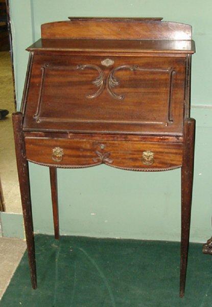 700: Fine Mahogany Slant Front Drop Desk