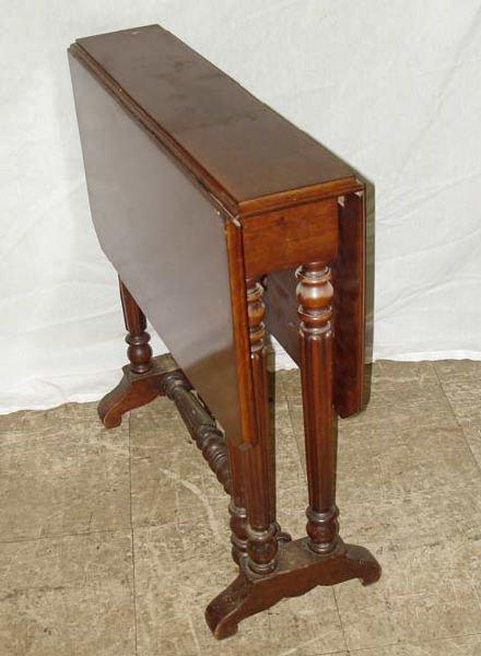 720: Fine 19th Century Dropleaf Table Gateleg