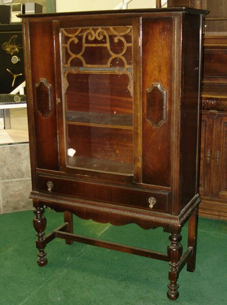 791 1920s walnut china cabinet nov 18 2006 fantasticantiques rh liveauctioneers com 1920 antique china cabinet 1920s style china cabinet