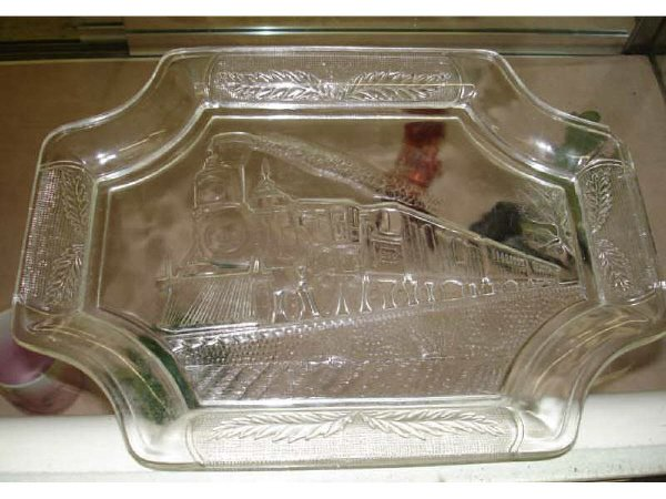 5: Train Depiction Glass Tray