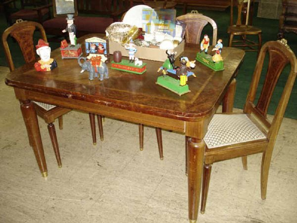 13: French Ormolu Ding Table and Chairs