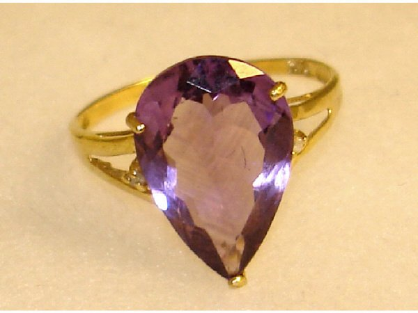 929: 14k Solid YG and Amethyst Ring