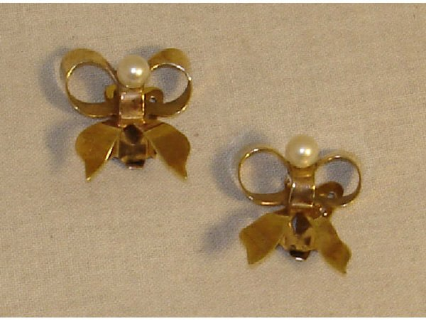 931: 10k YG and Seed Pearl Bow Earrings