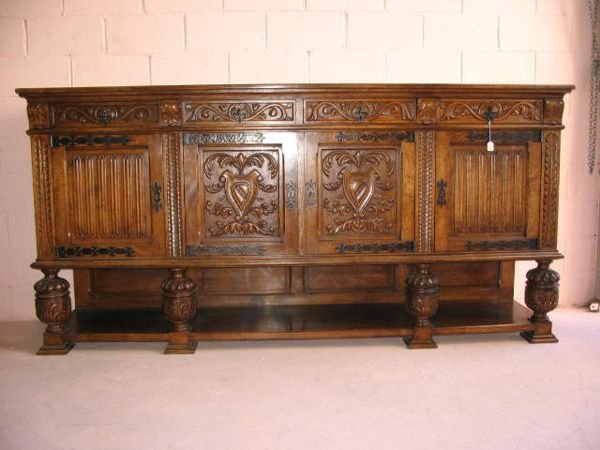 15: Carved French Buffet