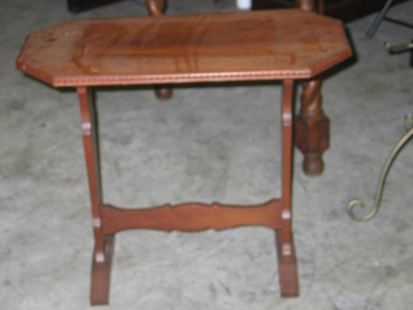 4020: Walnut End Table