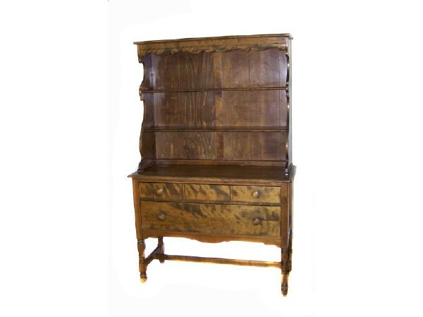 7029: Tiger Maple Heywood and Wakefield Hutch
