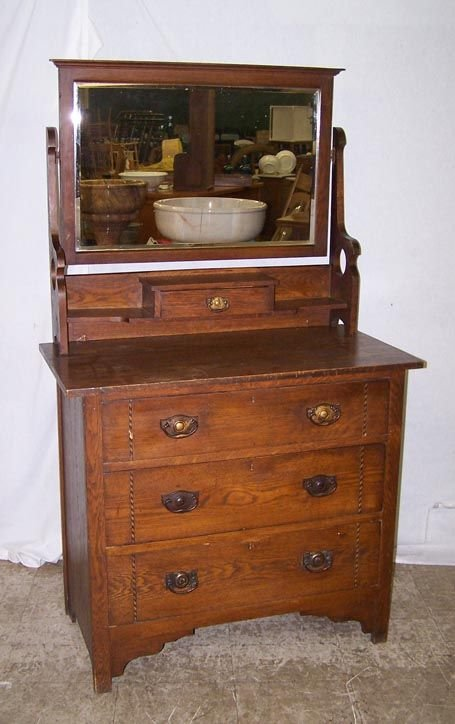 7009D: Oak Arts and Crafts Dresser with Mirror