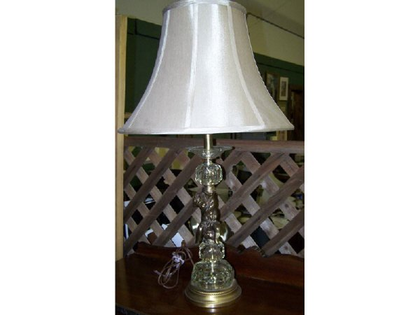 7009H: Vintage Cherub Figural Lamp