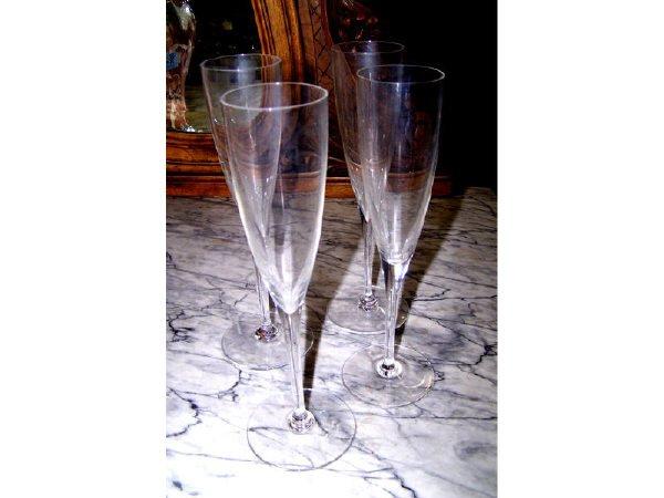 1: Set of Baccarat Champagne Flutes