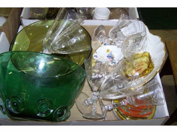 4: Boxed Lot including Green Artglass Bowl