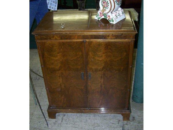 19: Mahogany 1940s Record Cabinet