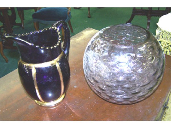 552: Lot of 2 Purple Glass Items.