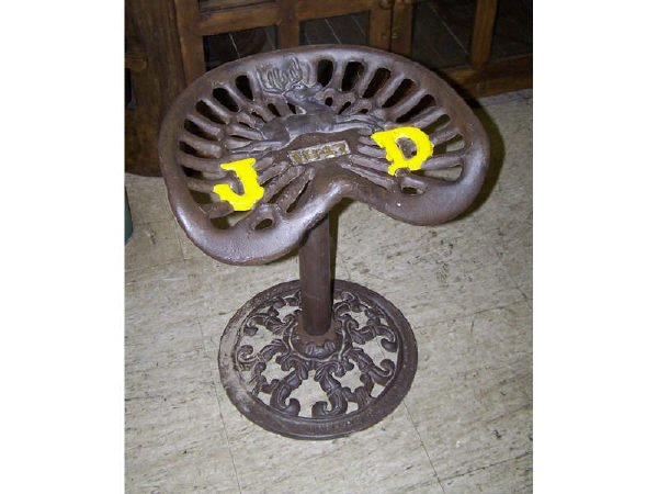 536: Casted Iron John Deere Tractor Seat