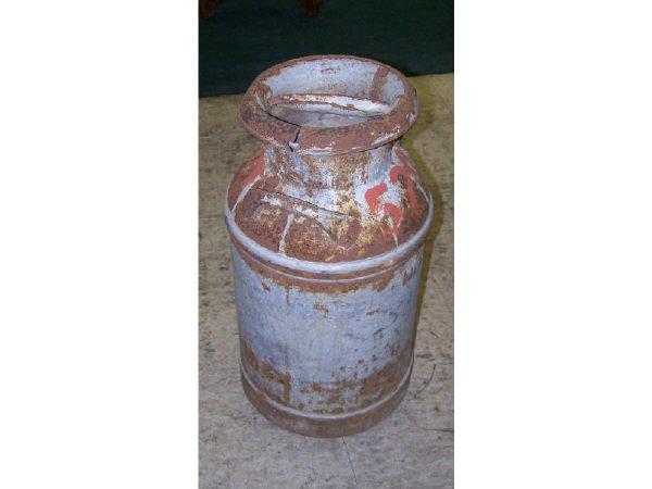 538: Antique Rustic Milk Can