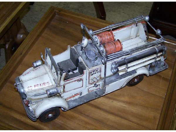 547: Scale Model Tin Toy Fire Truck