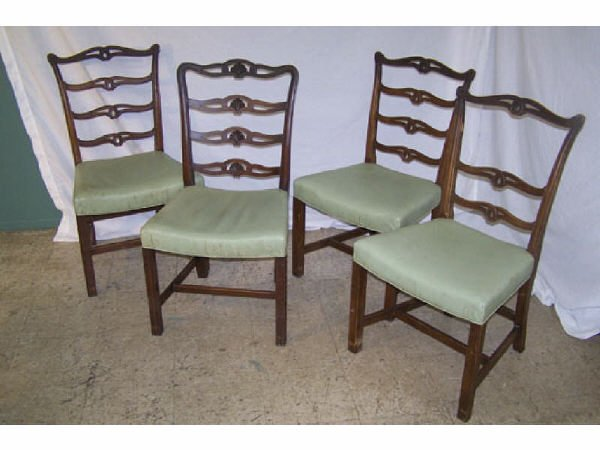 181: Lot of 4 Ladderback Chairs in Mahogany