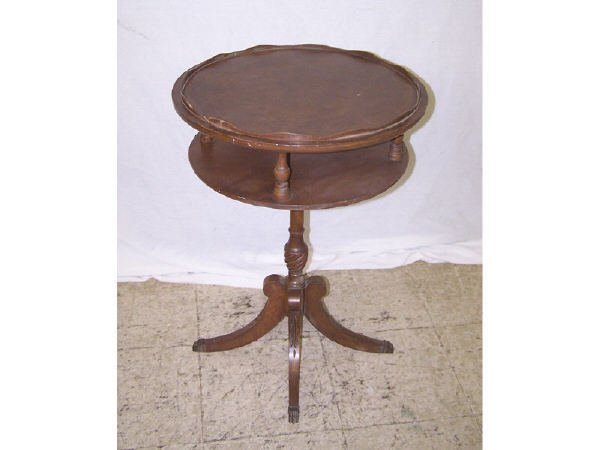 1372: Mahogany 2 Tier Candle Stand
