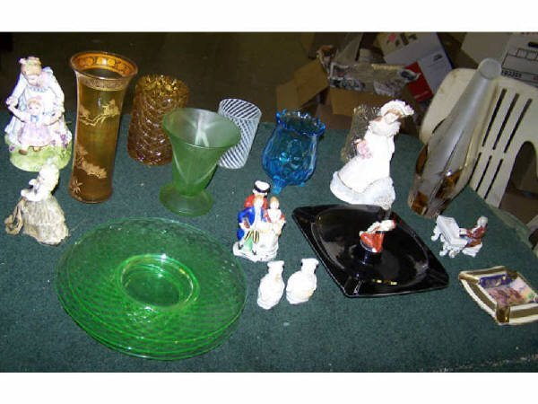 1416: Lot of Assorted Porcelains and Glassware