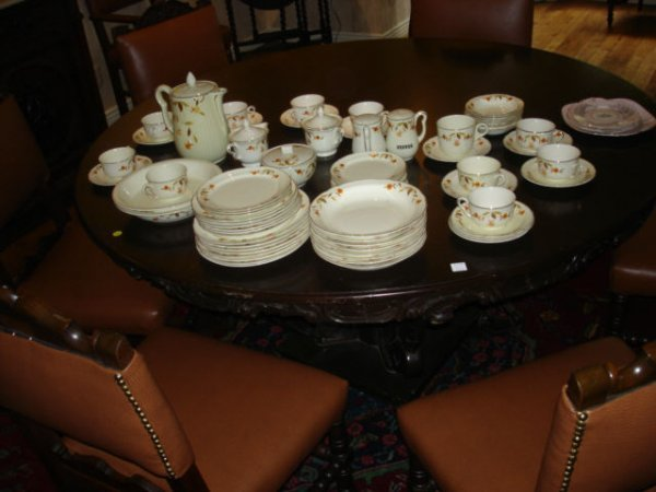 3011: Set of Autumn Leaf Dishes