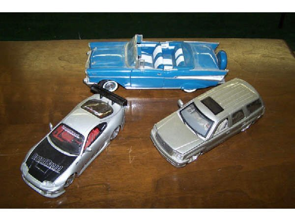 18: 5 Assorted Die Cast and Tin Cars etc...