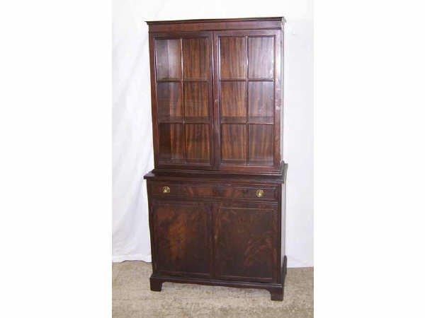 831: Mahogany Bookcase Hutch
