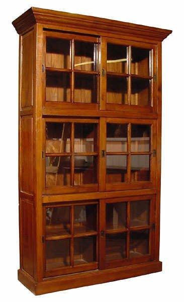 1520: Oak Triple Sliding Door Bookcase