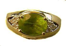 1008: 14K PERIDOT AND DIAMOND RING