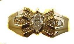 1009: HALF CARAT TCW DIAMOND RING