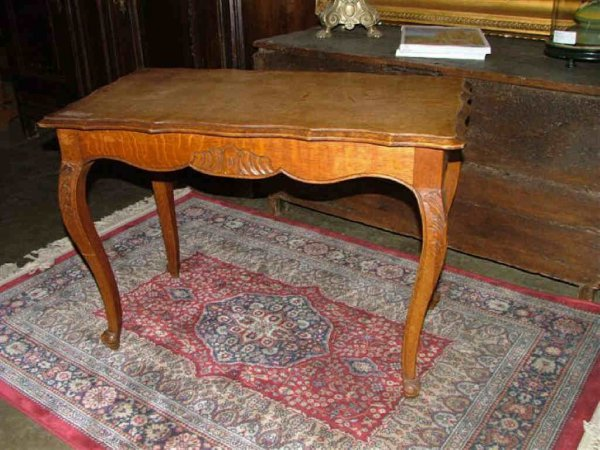 6004: Country French Oak Coffee Table