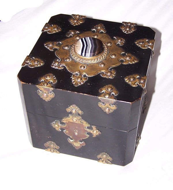 2A: Fine Ebony Perfume Scent Box with Agate Jeweling